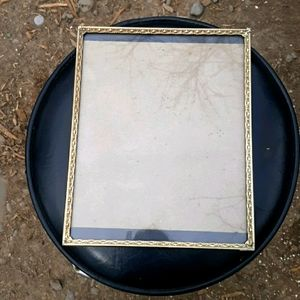 Hanging gold picture frame